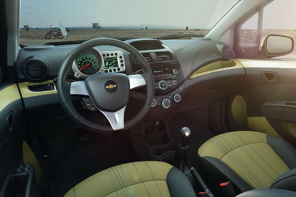 Chevrolet-Spark-Interior-02