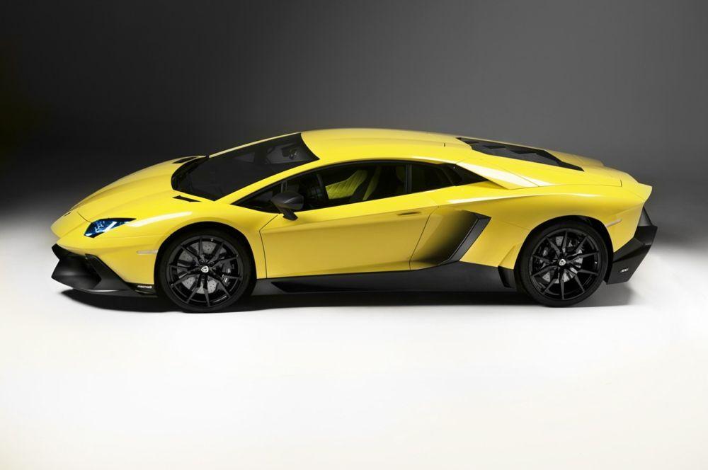 Lamborghini-Aventador-Anniversario-Edition-02