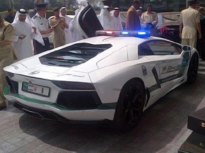 dubai-police-aventador-03