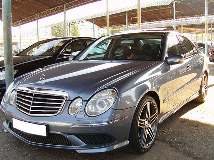 37. Mercedes E240 2003 год, пробег 184 000, 30 000 у.е