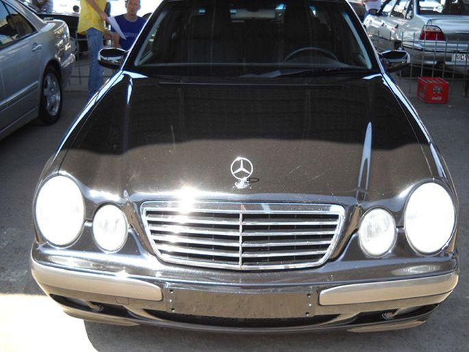 11.Mercedes E200. 2000 год. Пробег - 150 000 км, цена - 21 000 у.е