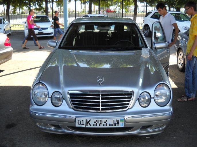 17.Mercedes  E200, 2000 год, пробег 215 000, цена  20 000
