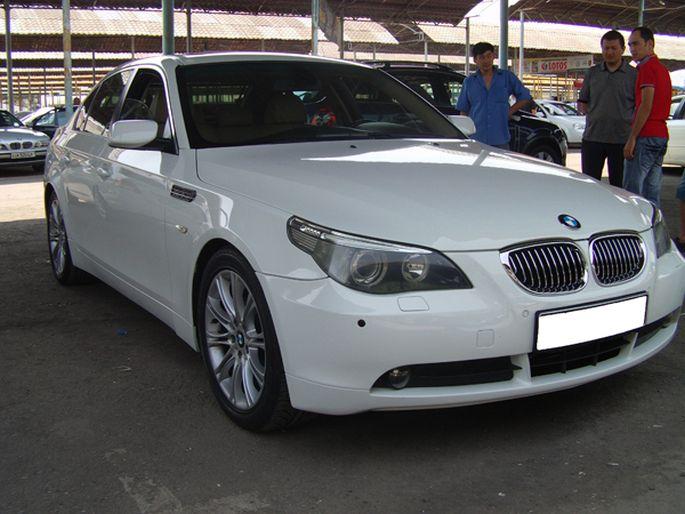 3.BMW 520, 2005 год. Пробег - 127 000 км, цена - 30 000 у.е.