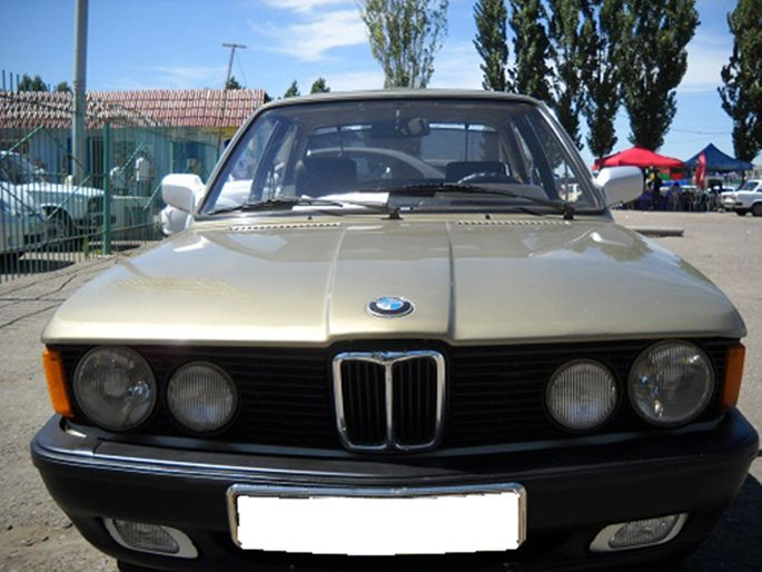 5.BMW 316, 1985 год. Пробег - 200 000, цена - 2 500 у.е.