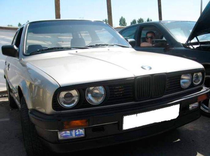7.BMW E30, 1987 год. Пробег - 550 000, цена - 5 000 у.е.