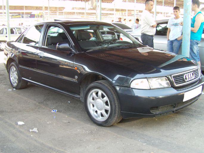8.Audi A4. 1996 год. Пробег - 206 000 км, цена - 12 000 у.е
