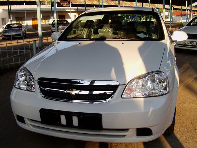 8.Chevrolet Lacetti, 2010 год. пробег - 13 000 км, цена - 18 200 у.е.