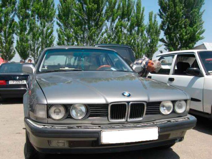 9.BMW E 32, 1987 год. Пробег - 370 000, цена - 5 000 у.е