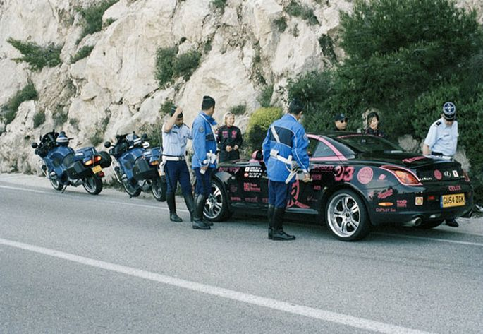 police-stop-car-on-the-Gumball-3000