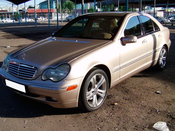 30.Mercedes-C240-2004-год.-Пробег---155-000-км,-цена---23-000-у