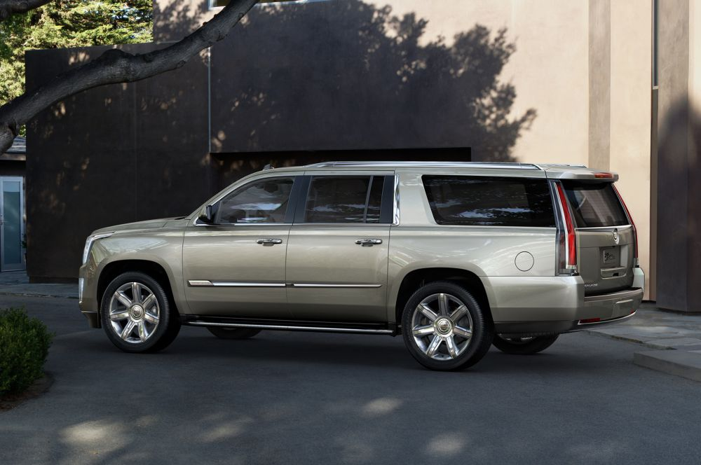 2015-Cadillac-Escalade-side-view