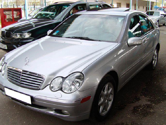9.Mercedes-C320,-2002-год.-Пробег---107-000-км,-цена---21-000-у.е